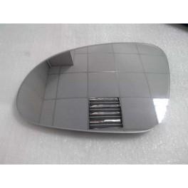 Зеркальный элемент левый с обогревом Volkswagen Passat B5 (Фольксваген Пассат Б5)