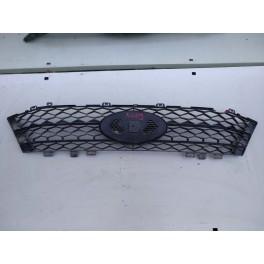 Решетка переднего бампера на Lada Vesta  8450006673 5009