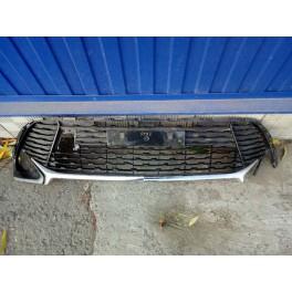 5492 Решетка бампера на Toyota Camry XV55 5311206820