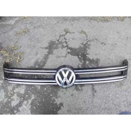 5601 Решетка радиаторная с хромом на Volkswagen Tiguan 5N0853655