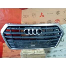 6238 Решетка радиатора на Audi Q5 с 2017г. 80A853651