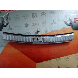 8372 Хром багажника на Volkswagen Touareg с 10г. 7P0863459E