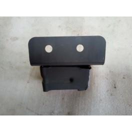 Крепление левое (металл) переднего бампера на Chery QQ6 (Чери КУКУ6)